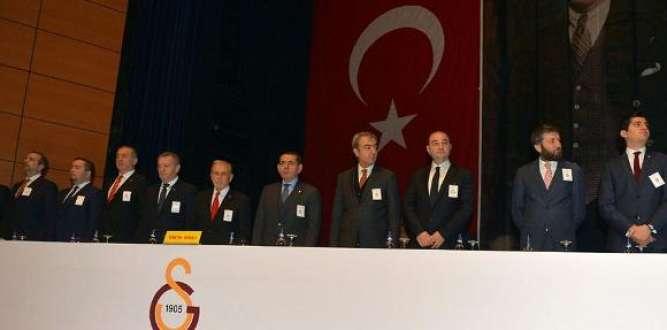 Galatasaray'da karar verildi…. Hakan Şükür ve Arif Erdem dahil 2 bin 750 kişi ihraç edildi