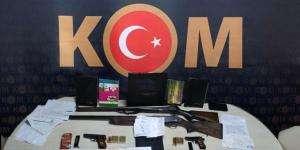 Kandıra'da tefecilere polis operasyon yaptı.