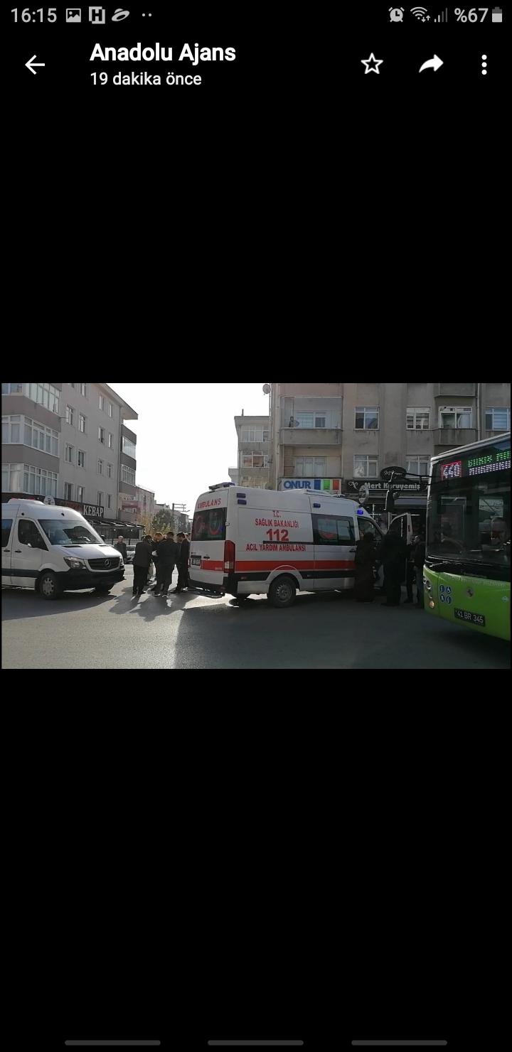 Karşıdan karşıya geçen teyzeye servis minibüsü çarptı